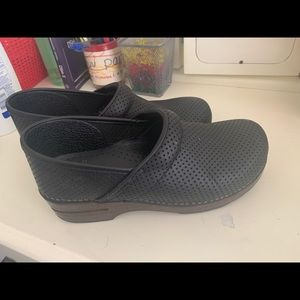 Dansko Perforated Pro Clogs - size 40